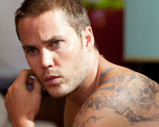 SAVAGES MOVIE POSTER TAYLOR KITSCH BARECHESTED WITH TATTOO'S PHOTO OR POSTER