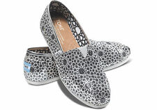 SILVER MOROCCAN GLITTER WOMEN'S CLASSIC TOMS SHOES. Style: 10000666-SILVER