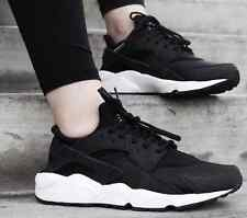 Nike Air Huarache Black White Authentic New in Box Women 6 - 11 634835 006
