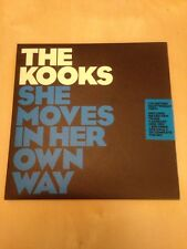 She Moves On Her Own Way - The Kooks (7