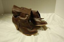 RAMPAGE WOMEN'S SIZE 7.5  BOOTS (PREOWNED)