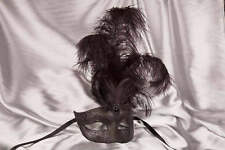 Masquerade Masks with Feathers - Struzzo Plain