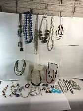 Lot of 25+ mixed vintage and now jewelry: necklaces, bracelets & earrings #1B