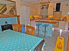 OCTOBER ROMANTIC HOLIDAY  COTTAGE SELF CATERING ACCOMMODATION FREE SKY AND WIFI