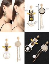 Retro Mis Match pearl Bee Kitsch lange clock party fashion earrings