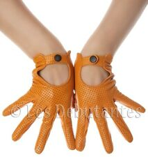 VINTAGE TAN PERFORATED LEATHER DRIVING GLOVES LES DEBUTANTES
