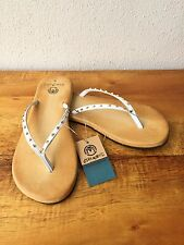 Ocean Minded by Crocs Oumi Luxe White/Gold Womens Leather Sandals Flip Flops