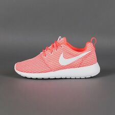 (511882-802) WOMEN'S NIKE ROSHE RUN HOT LAVA/WHITE