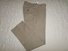 GAP KHAKIS PANTS MENS TAILORED RELAXED FIT SIZE 30X32 ZIP FLY NEW WITH TAGS