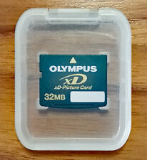 Mint Olympus 32 MB xD Universal Picture Memory Card & Case!
