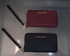 NEW WITH TAGS MICHAEL KORS WRISTLET WALLET IN NAVY