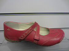 Ladies Clarks Red Shoe funky chime