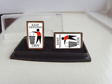 ARSENAL SUPPORTERS KEEP YOUR AREA TIDY BADGE MENS CUFFLINKS GIFT