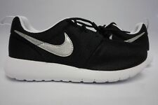 (599728-021) GRADE SCHOOL YOUTH NIKE ROSHE ONE BLACK/METALLIC SILVER/WHITE