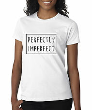 allwitty 1046 - Women's T-Shirt Perfectly Imperfect Box Outline