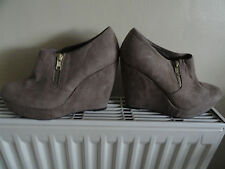 new look size 4 ankle boot wedges BROWN FAWN suede like material