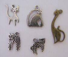 Cat kitty Hello kitty Christmas hat paw leaping art deco cats love  charm sets