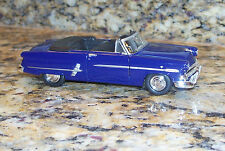 Welly 1953 Ford Crestline Sunliner Convertible Die-Cast Metal Blue Car 1:38