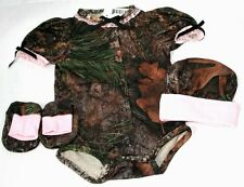 CAMOUFLAGE & PINK BABY INFANT DIAPER SNAP SHIRT - 3 PIECE GIFT SET HAT BOOTIES