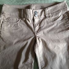 American Eagle Outfitters Khaki Low Rise Pants Womens Size 2  for School Uniform
