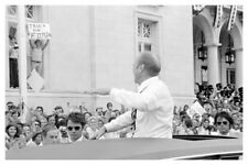1976 Photo Of President Gerald Ford Campaigning From Limo - Free Shipping