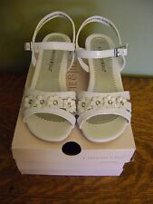 Christie & Jill Girls Youth White Colbie Sandal With Buckle Strap, Heel &Flowers
