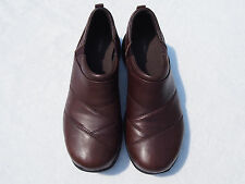 LL Bean Women's Comfort Mocs Brown Leather Shoes Size 10M NWOB