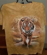 The Mountain Tiger Walking T-shirt NEW