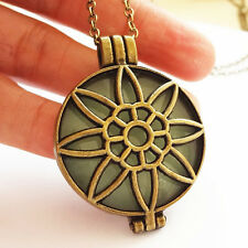 Hot Unisex Sunflower Shape Hollow Photo Frame Blue/Green Pendant Necklace Gift