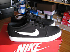 NIKE TOKI LOW TXT BLACK/WHITE 555272-020