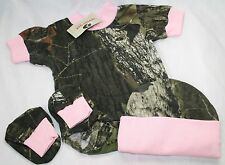 MOSSY OAK CAMOUFLAGE & PINK BABY INFANT DIAPER SHIRT 3 PIECE GIFT SET - HAT BOOT