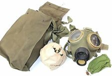 (NO4) HUNGARY HUNGARIAN ARMY / CIVILIAN M76 GAS MASK with FILTER and BAG