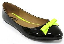 NEW $59 I LOVE BILLY Phillipo Womens Ballet Flats Patent Black Yellow Trim Shoes