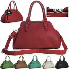 New Faux Leather Multi Pocket Designer Fashion Large Diamante Kiss Lock Handbag