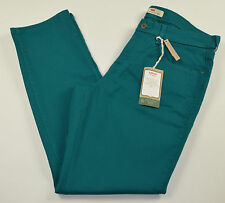 NWT Levi's Women's Mid Rise Green Skinny Jeans sizes 16W, 18W, 20W Medium