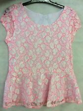 YOUNG GIRL PRETTY PEPLUM TOP IN WHITE WITH A BRIGHT PINK LACE OVERLAY 9-10 YEARS