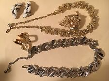 Vintage Lot of 5 Signed Costume Jewelry Pieces Trifari Lisner Kramer Necklaces +