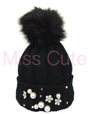 WOMENS CABLE KNIT WINTER SKI LADIES PEARL DETAIL FAUX FUR POM BOBBLE BEANIE HAT