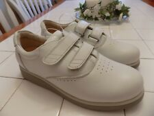 Mt Emey brand ladies beige leather therapeutic, diabetic shoes