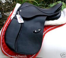 NEW Synthetic leather look saddle with D-Flex*  flexi tree INCL stirrups & irons