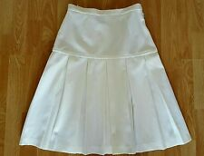 "Vintage 1960s Butte Knit Ladies White Pleated Skirt 26"" Waist"