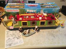 SYLVANIAN FAMILIES BOXED 4910 RIVERSIDE CANAL BOAT & BEAVER SAILOR FIGURES