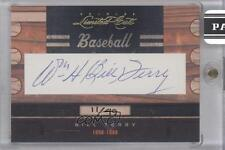 2011 Donruss Limited Cuts Cut Signatures Autographed #24 Bill Terry Auto Card