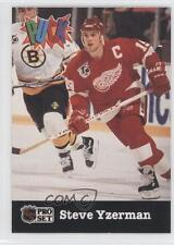 1991-92 Pro Set Puck #8 Steve Yzerman Detroit Red Wings Hockey Card