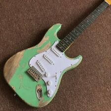 high quality pickups.6 Strings Rosewood fingerboard Electric Guitar, green