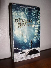 A River Runs Through It starring Tom Skerritt, Brad Pitt (VHS, 1993)
