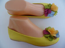 YELLOW GIRLS FLAT SHOES LINK SIZE 9-4