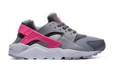 NIKE AIR HUARACHES RUN(GS) BOYS/GIRLS TRAINERS WOLF GREY/WHITE/PINK ALL SIZE