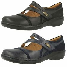 Ladies Clarks Mary Jane Velcro Flat Leather Shoes Evianna Crown-W