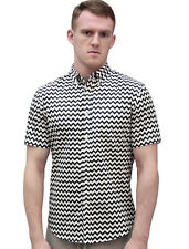 Men Zigzag Print Short Sleeves Button Down Shirt